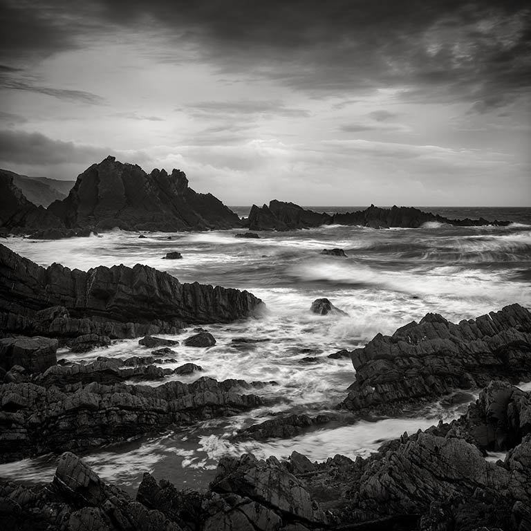 how-to-mix-digital-and-film-for-fantastic-b&w-landscapes